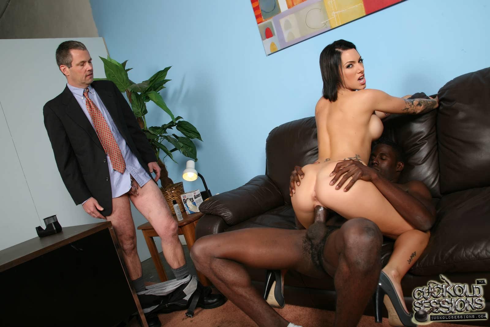 секретарша с двумя неграми очень хочу что